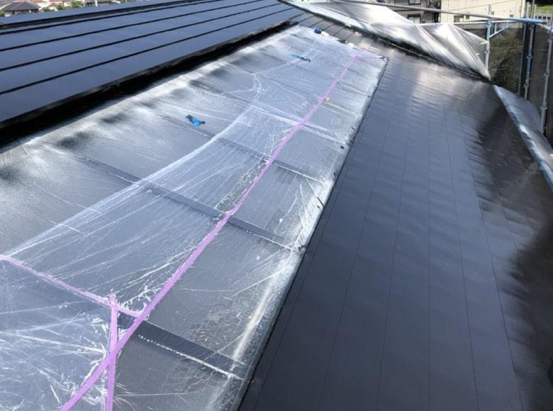 岩国Y様邸、屋根仕上げ塗装1回目