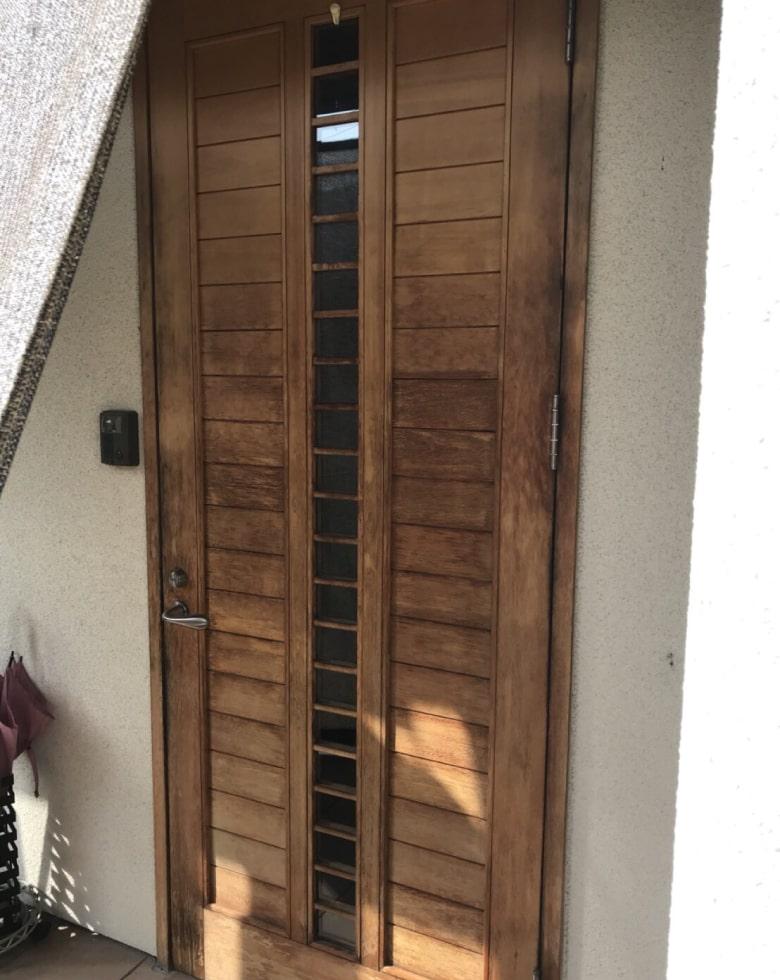 玄関ドア塗り替え前(ビフォー写真)
