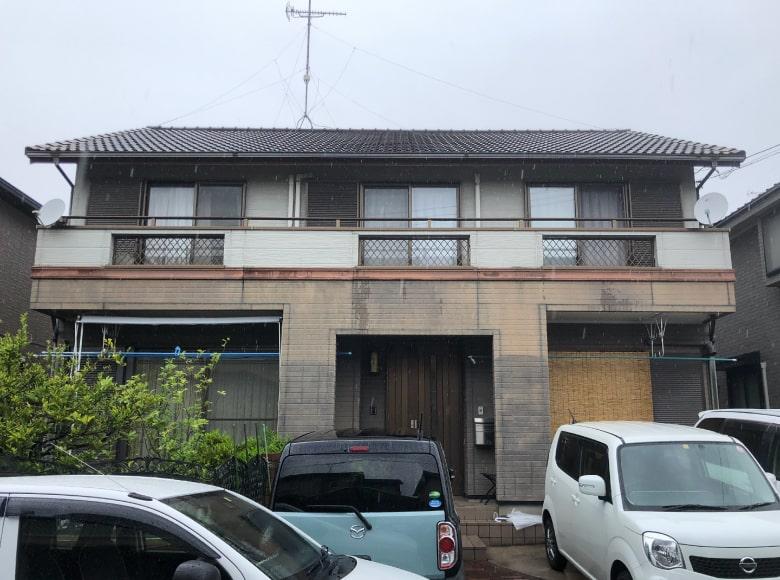 大竹市N様邸、外壁塗装および屋根葺き替え工事ビフォー写真