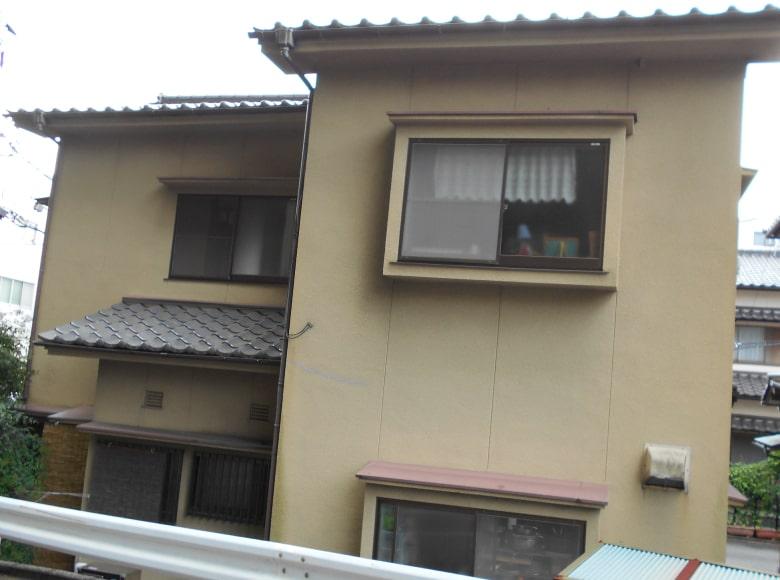 周南K様邸、外壁塗り替え前の写真(裏側)