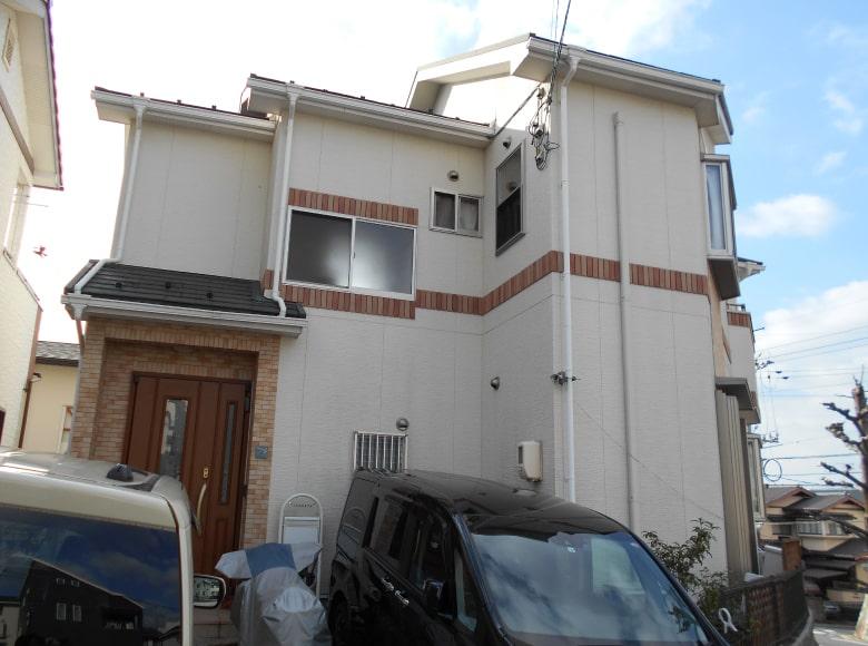 光市Y様邸、屋根・外壁塗り替え工事(正面・ビフォー)