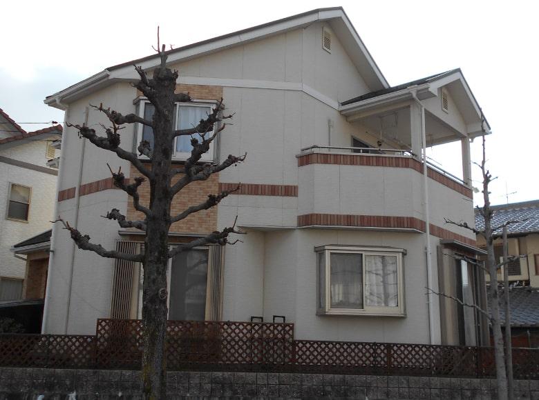 光市Y様邸、屋根・外壁塗り替え工事(裏・ビフォー)