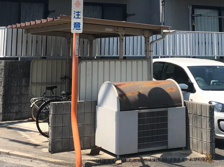 岩国市アパート外壁塗装(駐輪場・ゴミ箱)ビフォー