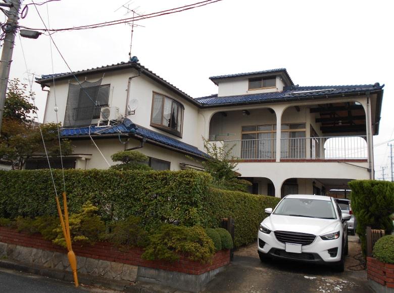 下松市D様邸、外壁塗り替え前の写真(正面)